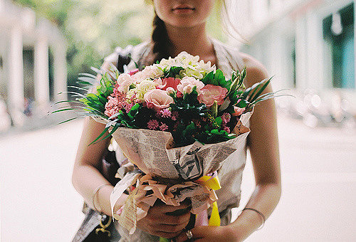 Цветы в подарок - презент со смыслом