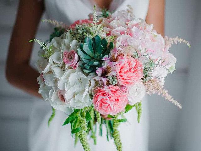 Букет невесты 2019-2020: модные тендеции и тренды